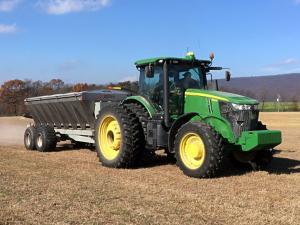 bulk material lime fertilizer spreader